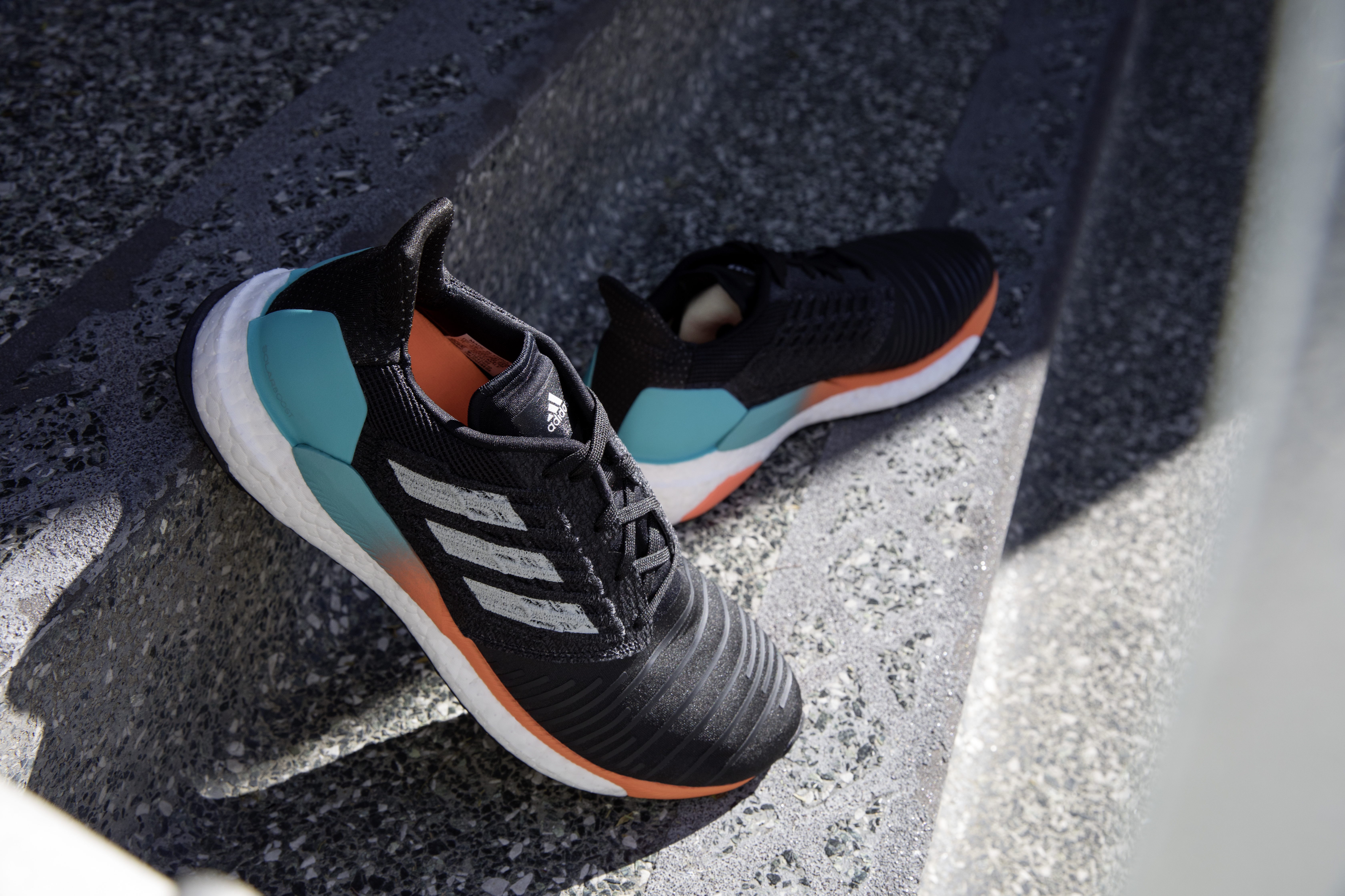 adidas_solar_beauty_shots_boost_male_02_rgb