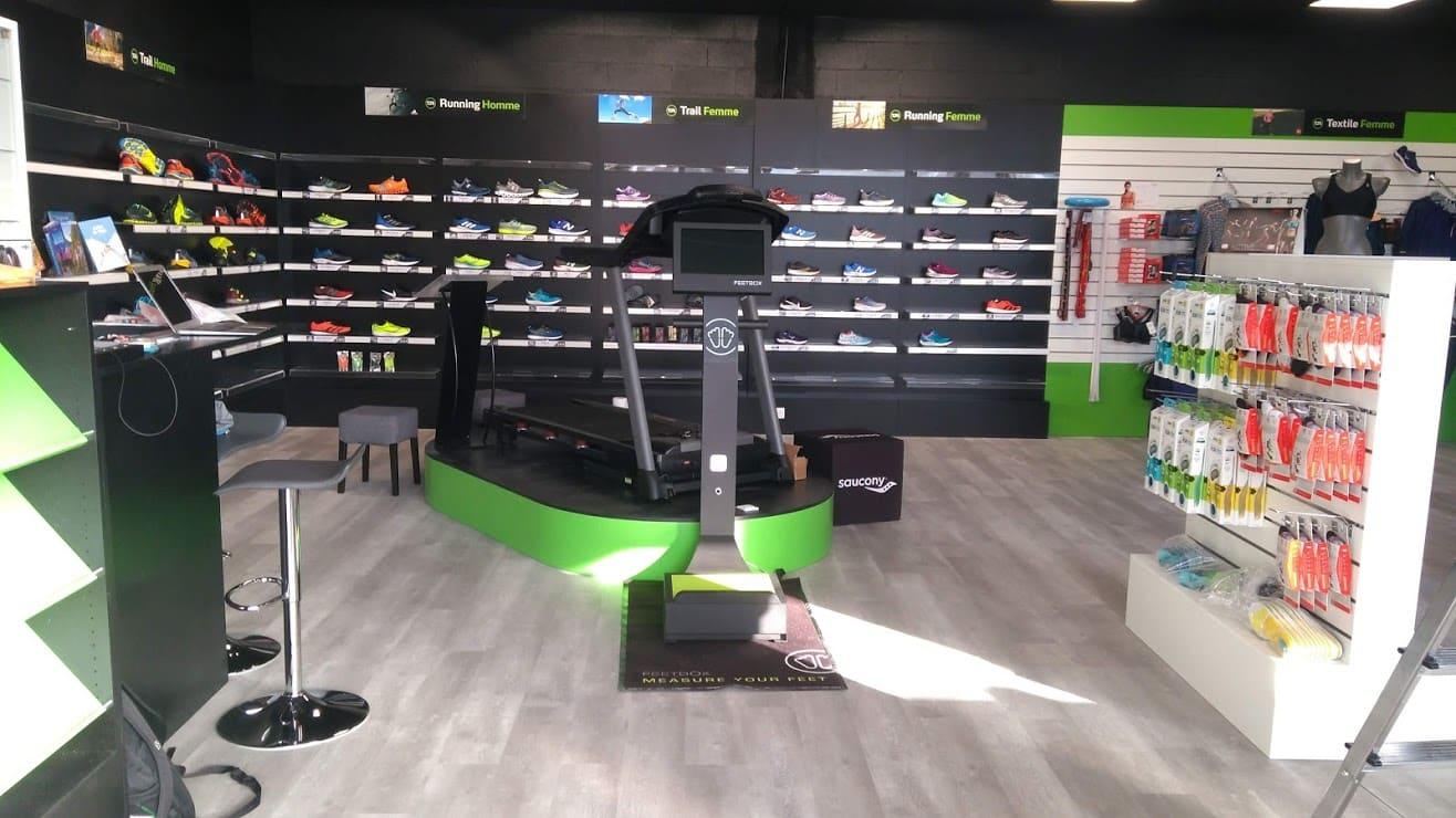 Tapis de course à l'intérieur du magasin Terre de Running brétigny
