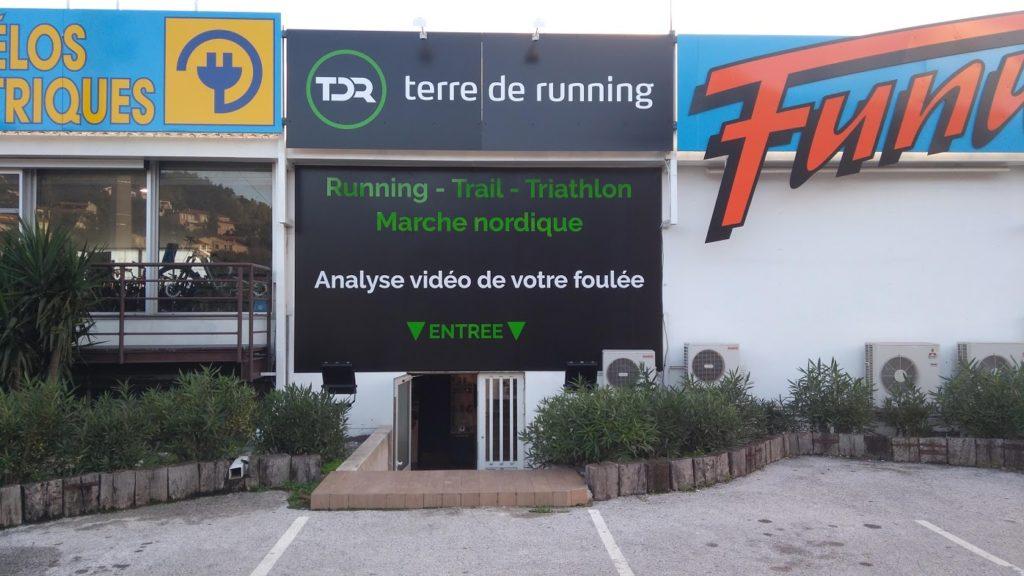 Devanture du magasin Terre de Running à La Garde