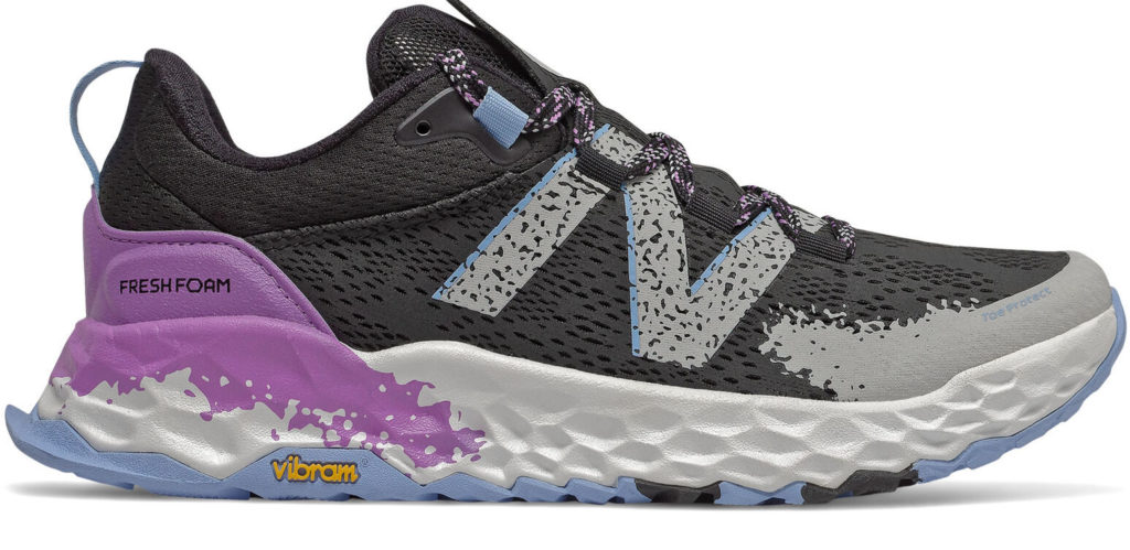 chaussure new balance hierro v5 de profil