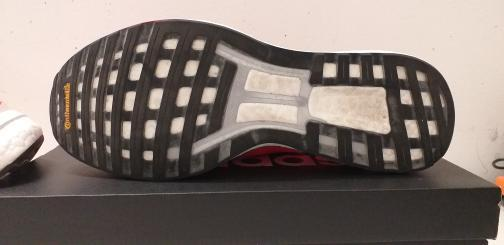 Semelle de la chaussure Adidas Boston 9.